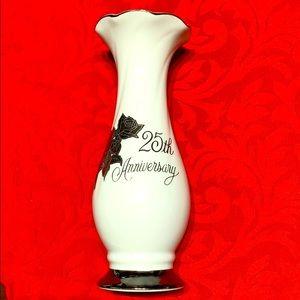 Saji fine China Japan 25th anniversary vase